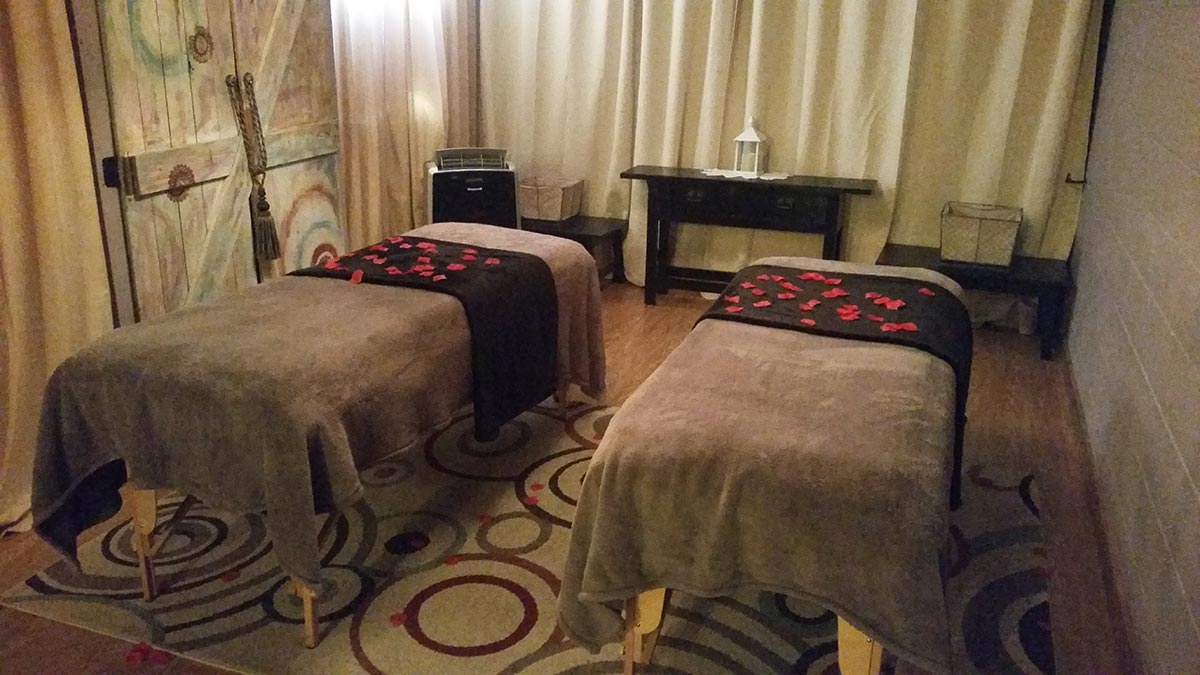 get a couples massage in madill oklahoma at blush naturally
